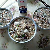 酸奶什锦粥(废物利用)的做法图解1