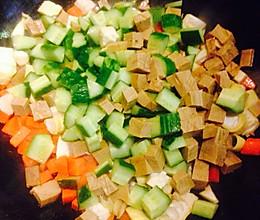 蔬菜豆干丁的做法