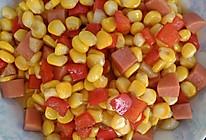 【家常小炒】火腿肠红椒炒玉米粒的做法