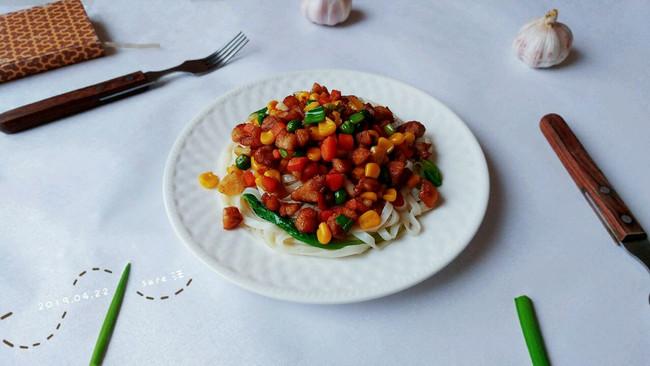 杂菜酱油鸭拌面的做法