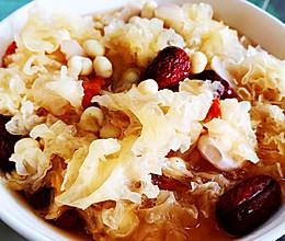 #全电厨王料理挑战赛热力开战!#江南的味道-鸡头米菱角银耳羹的做法