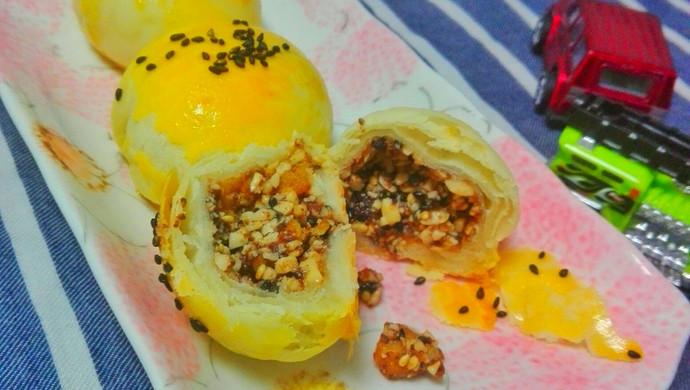 芝麻花生酥皮月饼(老口味)