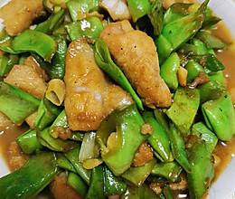 减脂餐——扁豆角炒巴沙鱼的做法
