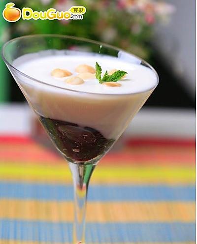 春日饮品蓝莓酸奶的做法