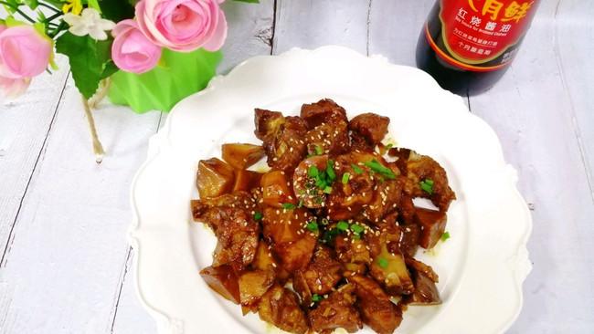#名厨汁味,圆中秋美味#鸡腿菇烧排骨的做法