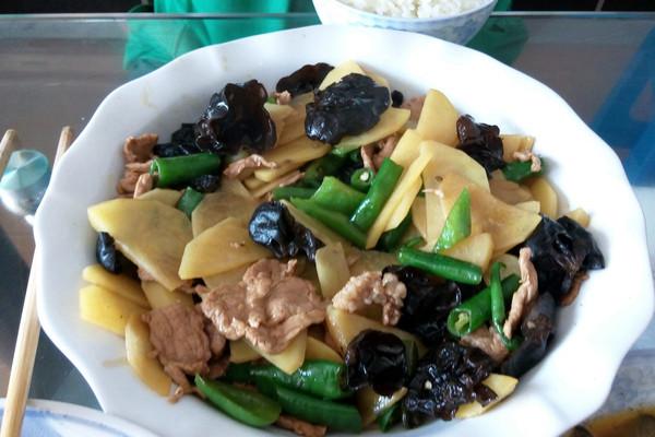 土豆青椒炒肉片的做法