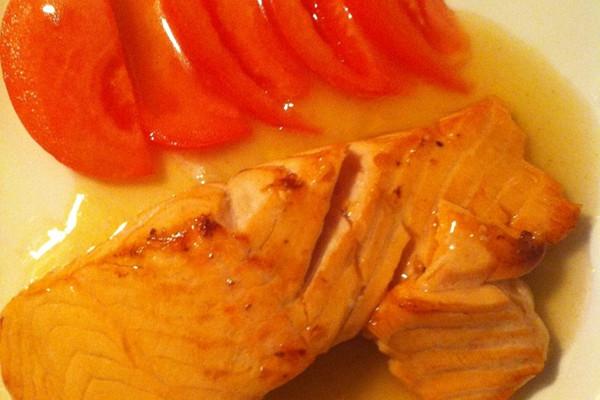 青柠香煎三文鱼的做法