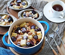 健康早餐|易上手的樱桃蓝莓坚果甜面包布丁#硬核菜谱制作人#的做法