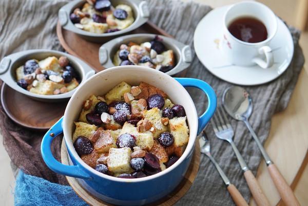 健康早餐|易上手的樱桃蓝莓坚果甜面包布丁的做法