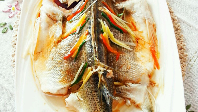 清蒸鲈鱼#年夜饭必备#