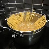 【酱油炒意面】中式炒面的方法做意面 的做法图解2