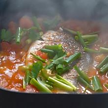 #小熊电烤炉食谱#干煎鲳鱼、蕃茄焖鲳鱼