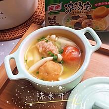 清新可口的快手火锅汤料丝瓜鸡汤