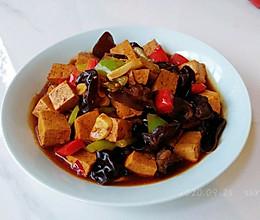 鲜椒木耳烧豆腐的做法