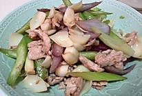 西芹百合炒肉片的做法