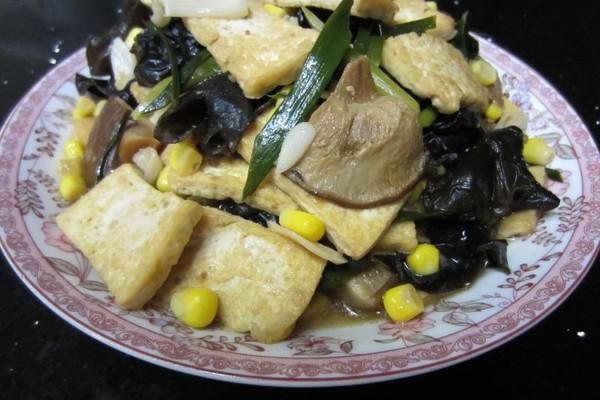 酱烧蒜苗豆腐的做法