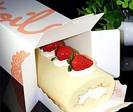 不会开裂的草莓奶油蛋糕卷#松下烘焙魔法学院#的做法