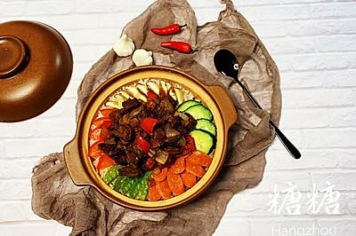 砂锅红烧牛腩煲仔饭