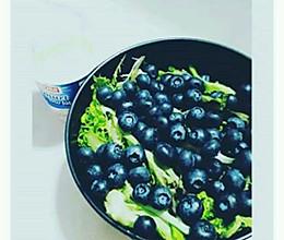 懒人减脂晚餐(蓝莓优格沙拉)的做法