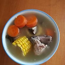 原味玉米猪骨汤