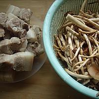 茶树菇五花肉的做法图解2