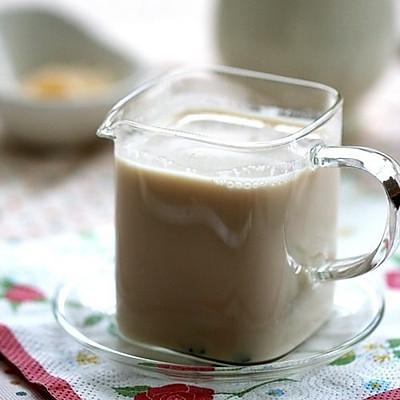 在家做超好喝港式奶茶(^o^)