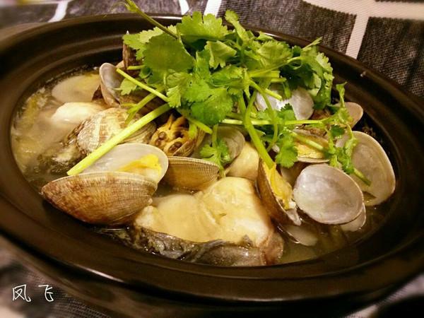 酸菜花甲鲩鱼煲的做法