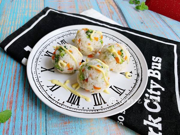 小清新的西兰花金枪鱼小饭团的做法