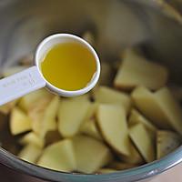 橄榄油烤薯角的做法图解2
