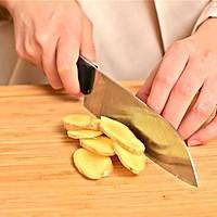 迷迭香美食| 黄豆炖猪蹄的做法图解3