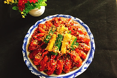 蒜蓉十三香小龙虾