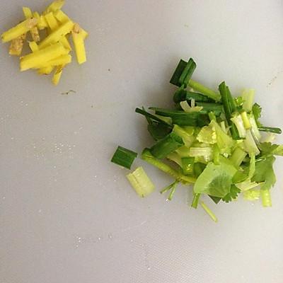 菠菜鸡肉粥的做法 步骤3