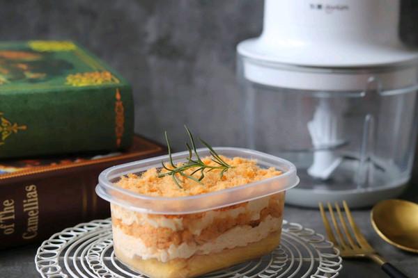 咸蛋黄肉松蛋糕的做法