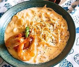 超级好吃的鲜虾芝士奶油意面的做法