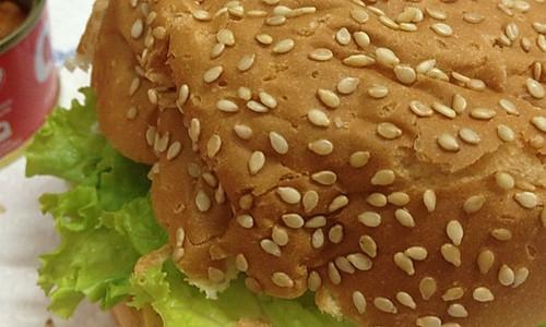 茄汁金枪鱼汉堡的做法