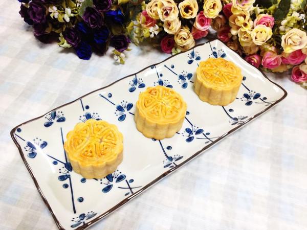 花团锦簇,相约中秋:广式肉松绿豆月饼