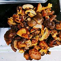 酱香鸡翅香菇粉条煲的做法图解4