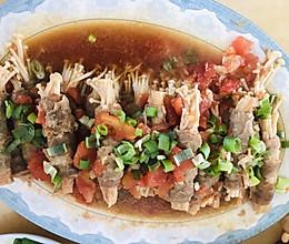 酸汤肥牛金针菇的做法