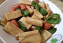 青椒炒鱼豆腐的做法