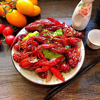 爆炒十三香小龙虾