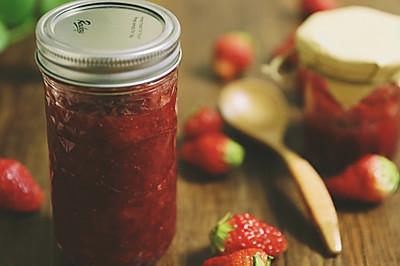 自制草莓酱,抹面包和拌酸奶超级赞!