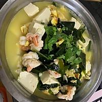 虾仁煎蛋裙带菜豆腐汤的做法图解7