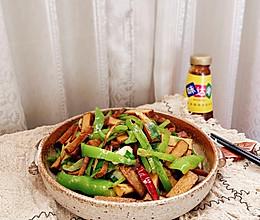 #味达美名厨福气汁,新春添口福#青椒炒香干的做法