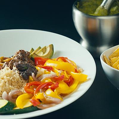 【鹦鹉小厨】墨西哥牛肉拌饭,搭配玉米片