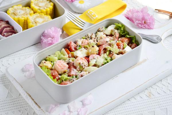 自制零失败的虾仁蔬菜沙拉的做法