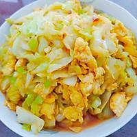 #一勺葱伴侣,成就招牌美味#鲜甜咸香的圆白菜炒鸡蛋的做法图解7