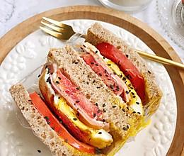 #换着花样吃早餐#网红爆浆三明治的做法