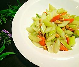 香脆美味~花生萝卜炒西芹的做法