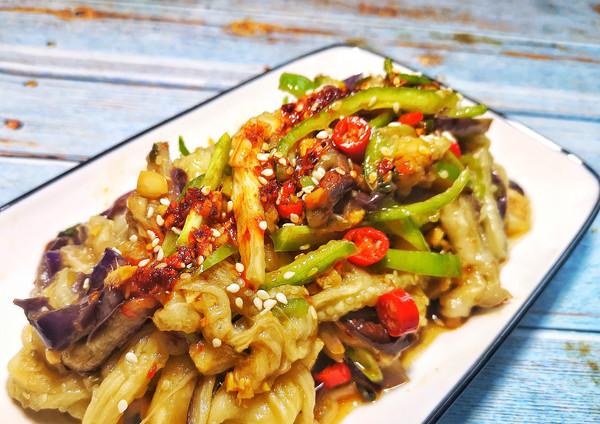 蒜瓣茄子,减脂必备的素食下饭菜。的做法