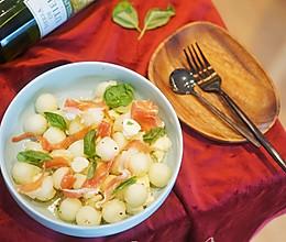 健身食谱|爽口哈密瓜水牛奶酪色拉 #花10分钟,做一道菜!#的做法